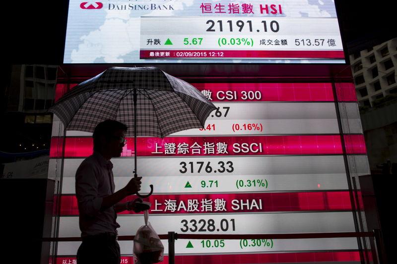 REFILE-FOREX-Dollar hits 1-week high on yen as U.S.-China trade deal hopes rise
