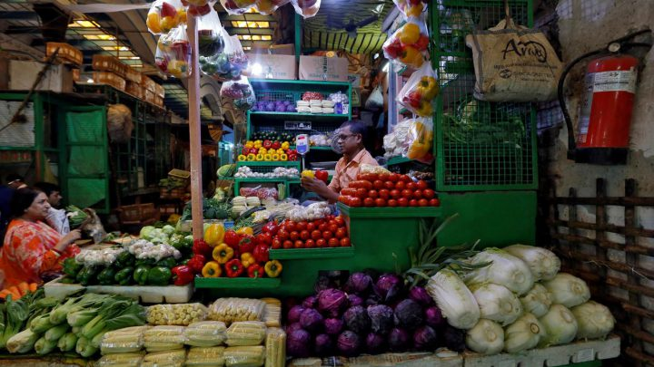 India's January retail inflation rises, industrial output shrinks